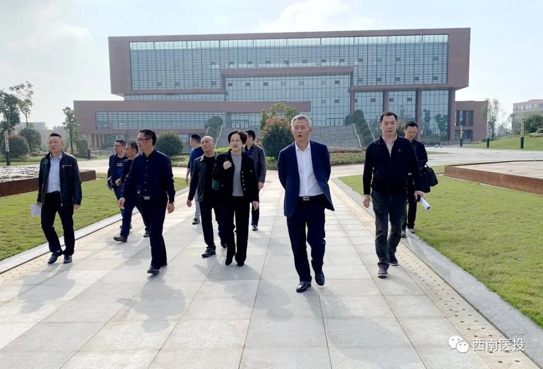 刘云常委调研泸州医疗器械职业学院